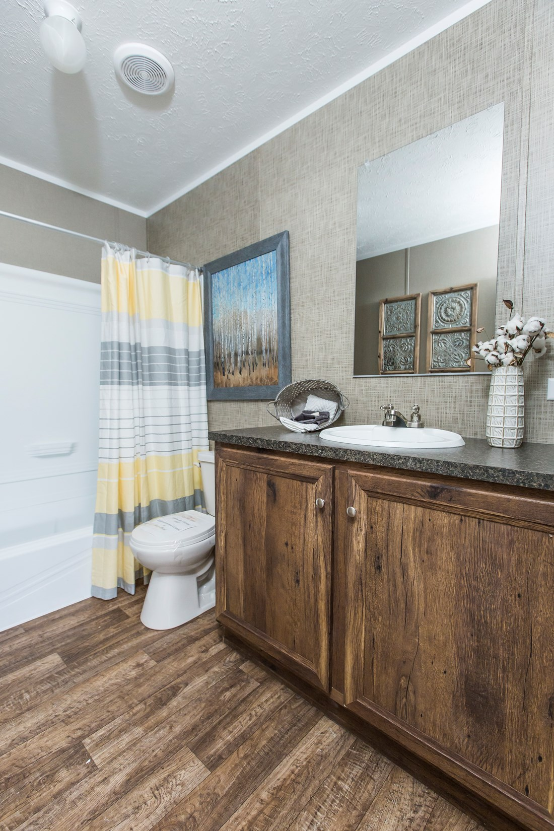 "The NOW28603U ""NOW ULTRA"" Guest Bathroom. This Manufactured Mobile Home features 3 bedrooms and 2 baths."