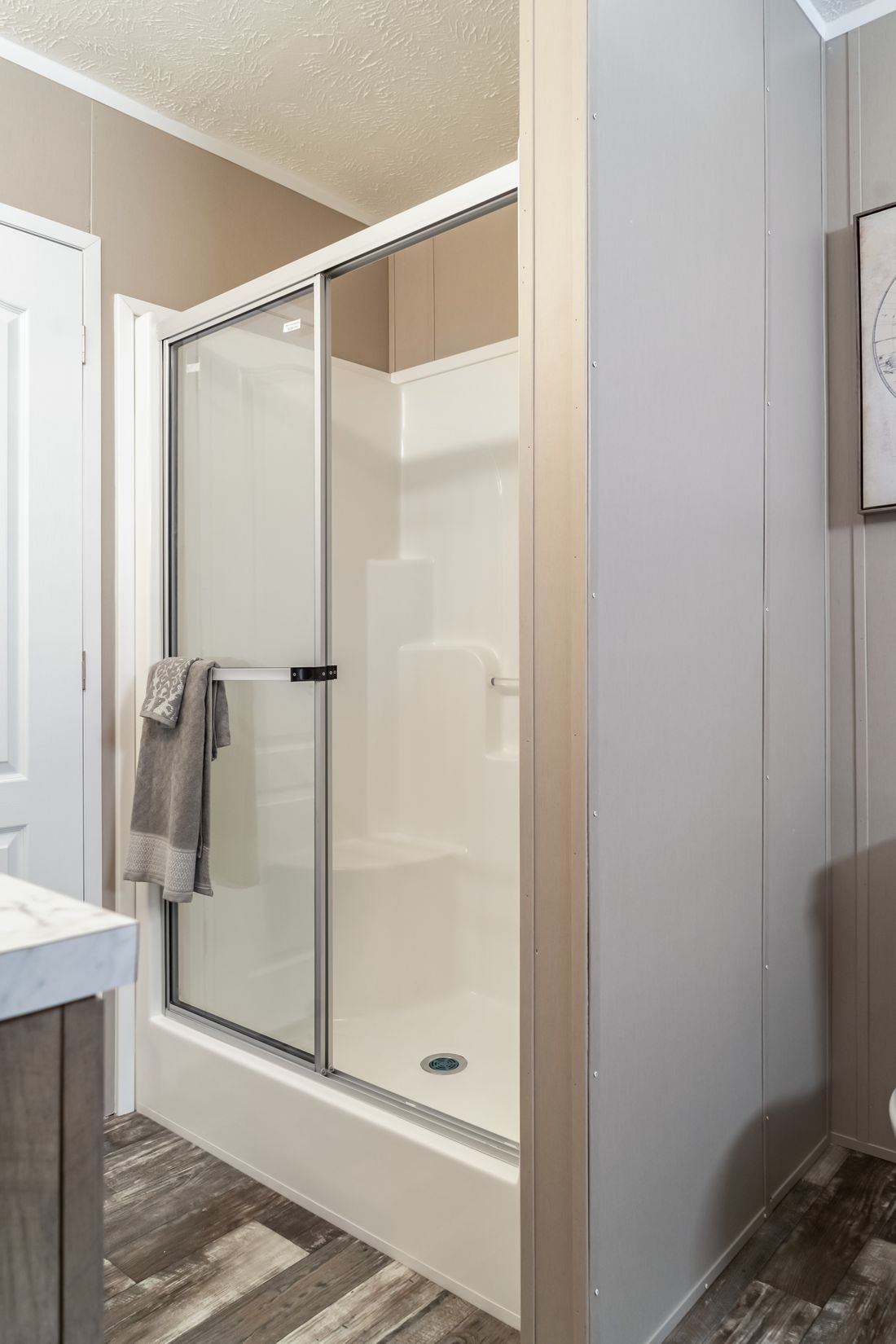 The ULTRA PRO 60 Master Bathroom. This Manufactured Mobile Home features 3 bedrooms and 2 baths.